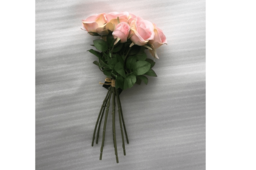 Hoa Bó Hồng Nhạt Và Mẫu Đơn