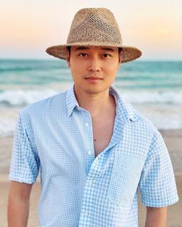 Quang_Vinh_mac_do_tre_trung_1