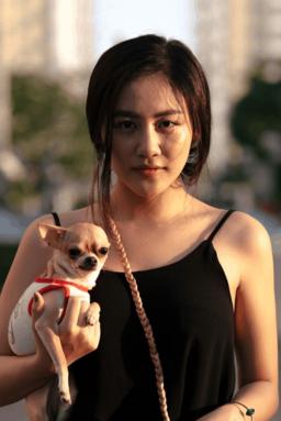 van_mai_huong_bi_nem_da_dao_duc_gia_khi_len_tieng_phan_doi_an_thit_cho_dong_hop_7ce707_2236