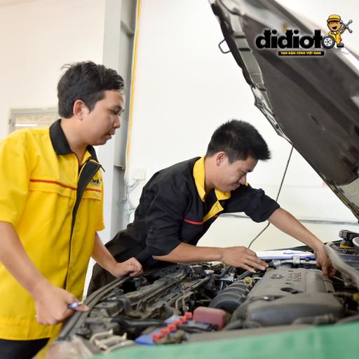 Hướng dẫn cách kiểm tra dầu nhớt xe ô tô chính xác nhất